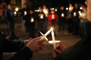 1022111_Candlelight_Vigil_1_AC(pp_w740_h493)